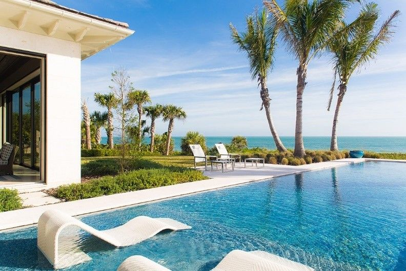 Vero Beach Island Ease Pool
